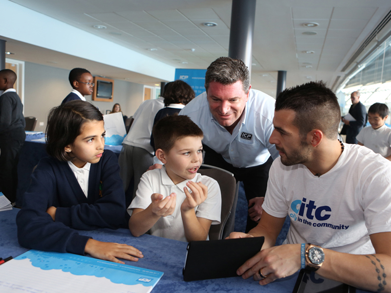 ICP Networks MD Matt Archer and Manchester City striker Alvaro Negredo at CITC tablet launch
