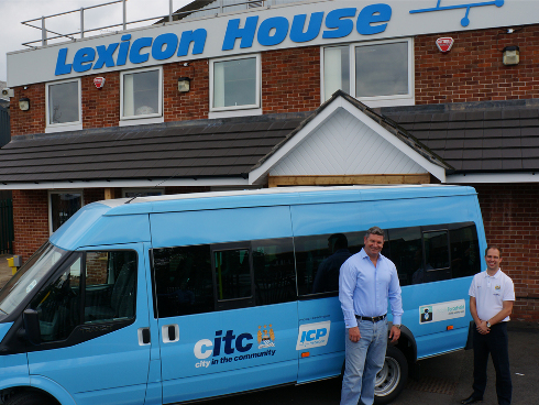 ICP-Networks-MD-Matt-Archer-presents-CITC-Head-Mike-Green-with-stunning-new-mini-bus